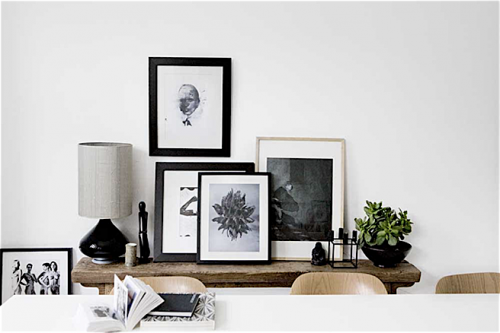 79ideas-simple-decoration-with-black-and-white-pictures.png